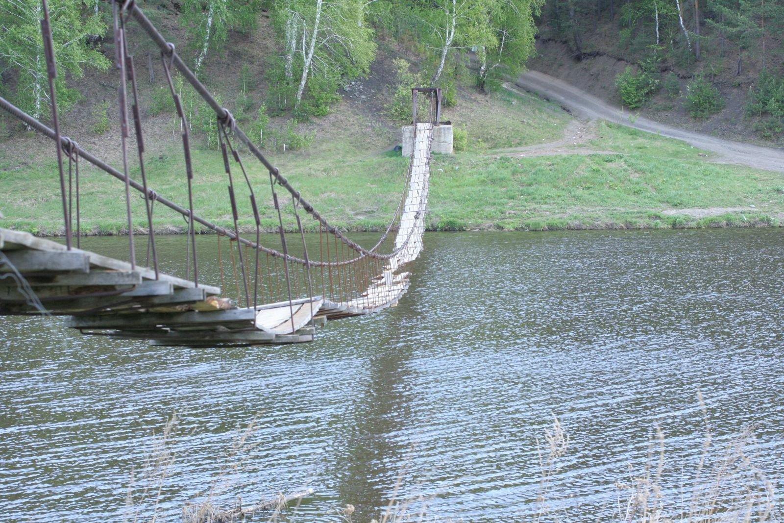 висячий мост у д. Брод