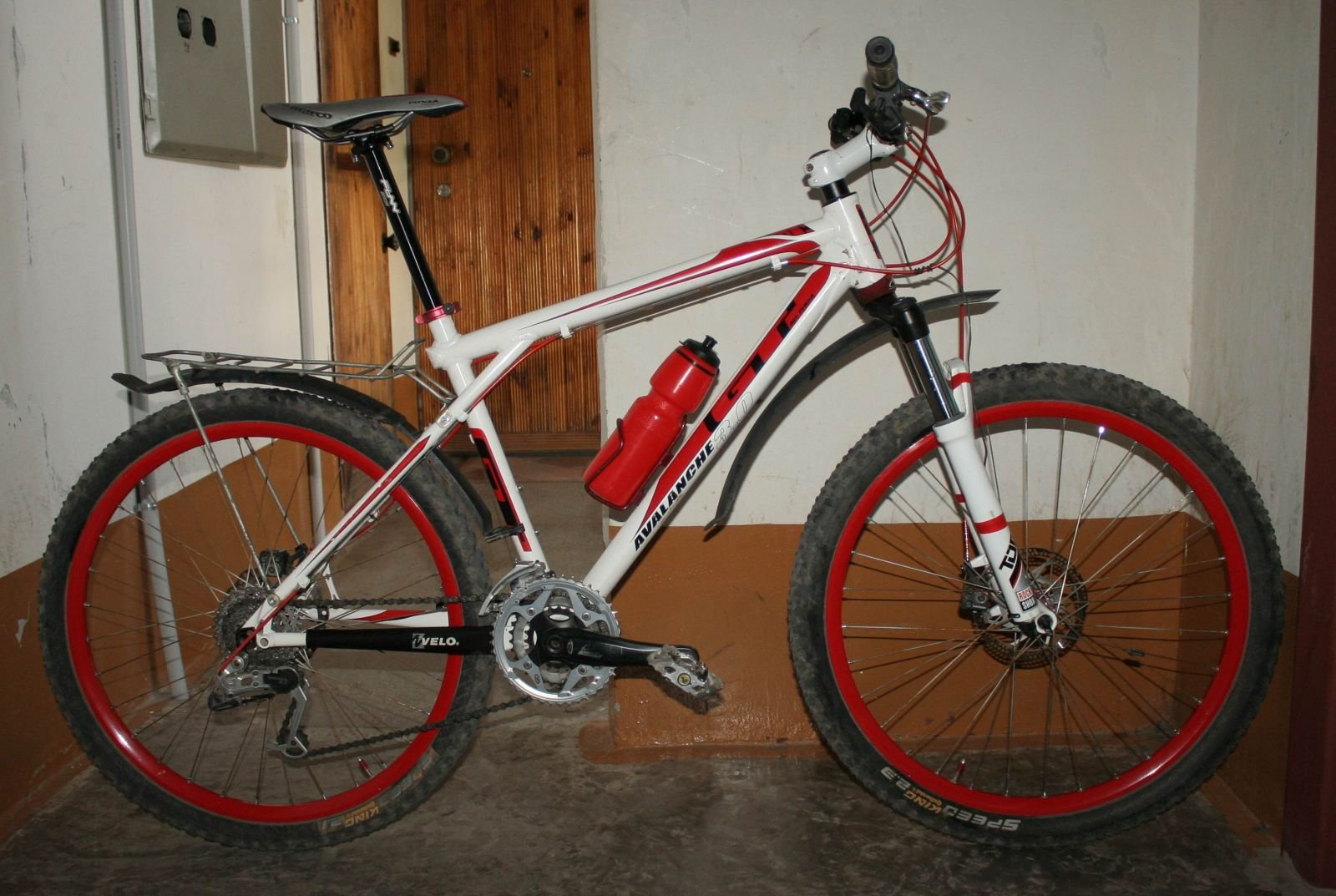 Custom GT avalanche 3.0 White-Red
